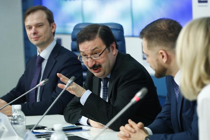 Experte: Die wichtigsten Risiken für den Rubel im Jahr 2019