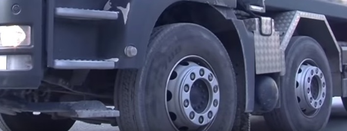 Fahrverbot für schwere Lastwagen bei Hitze am Tag