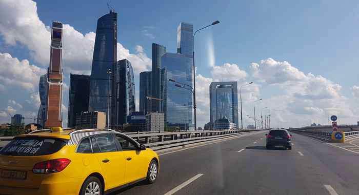Mit dem Taxi zum Brötchenholen: Taxifahrten in Russland lohnen sich