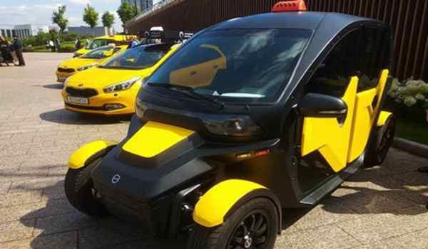 Kalaschnikow stellt E-Mobil zum Carsharing vor