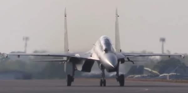 Medien: Algerien kauft in Russland Kampfflugzeuge im Wert von 2 Milliarden